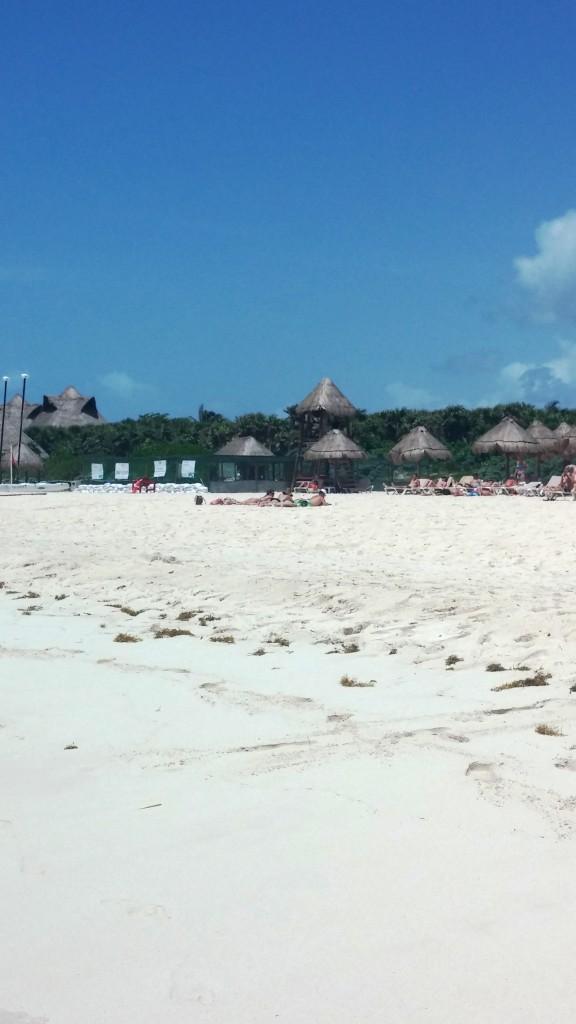 Valentin Imperial Maya Beach 2