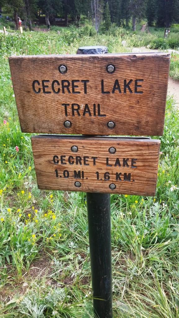 Cecret Lake Sign