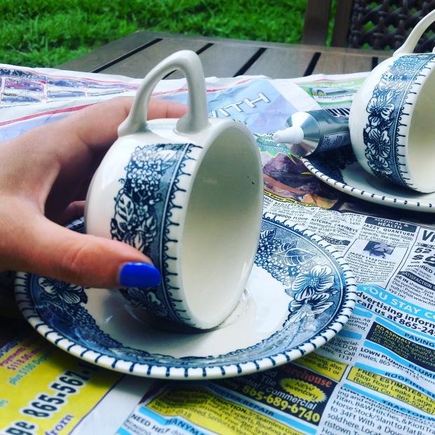 teacup-feeder-closeup