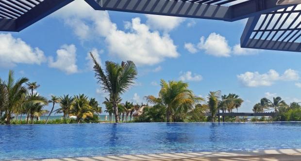The main infinity pool at the Royalton Riviera Cancun